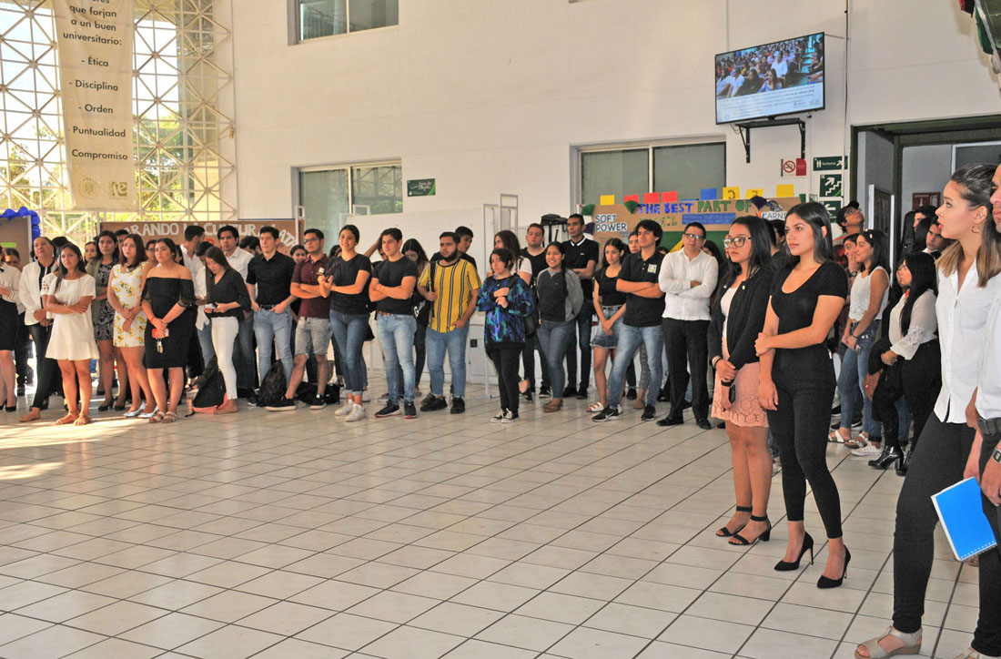 """XL Aniversario de la Facultad de Economía, """"Formando estudiantes y egresados con valor""""."""
